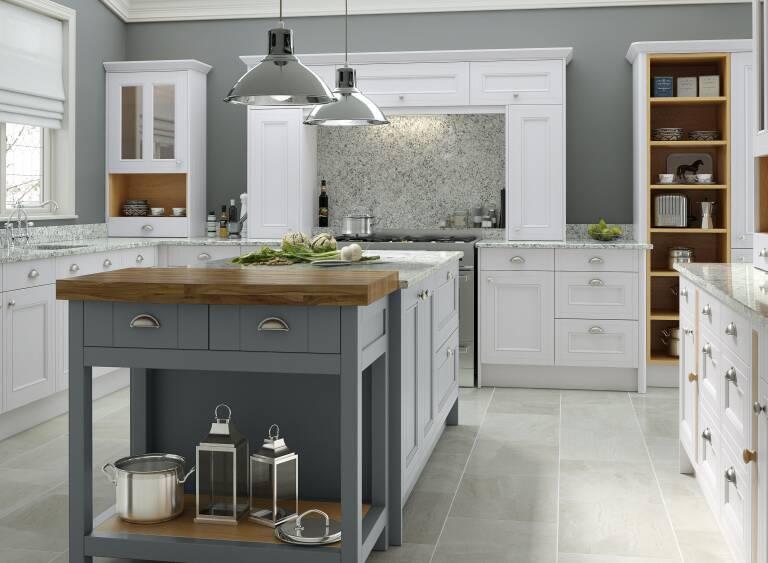 Country Kitchen In Chalk White Castle Rock Wren Kitchens