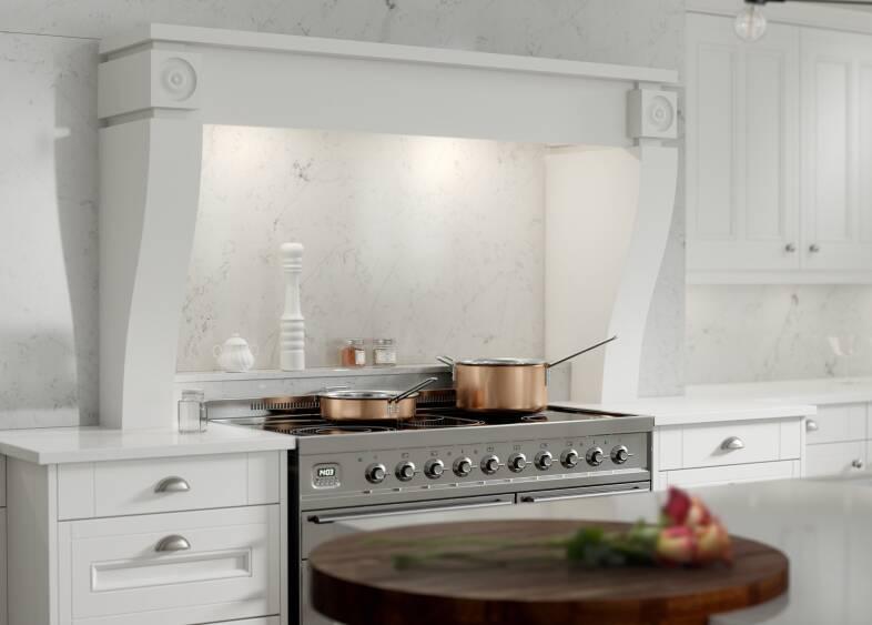 Country Kitchen in Super White
