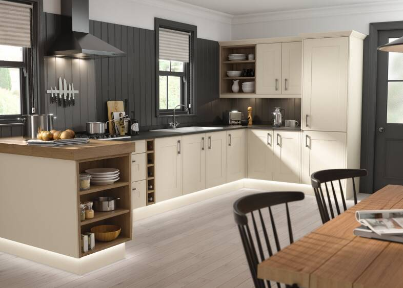 Edwardian Kitchen in Cream