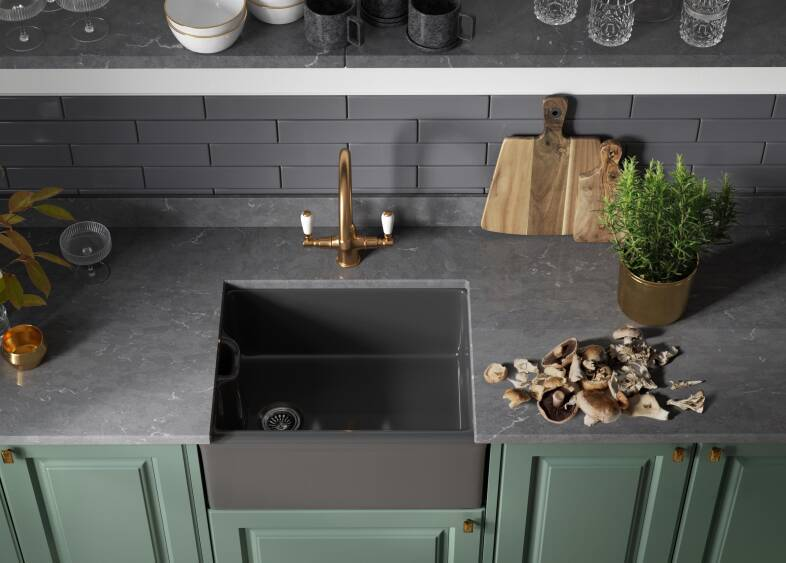 Georgian Ermine Kitchen in Forest Green