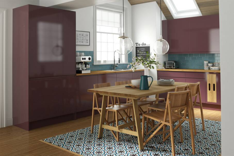 Handleless Aubergine Gloss Kitchen