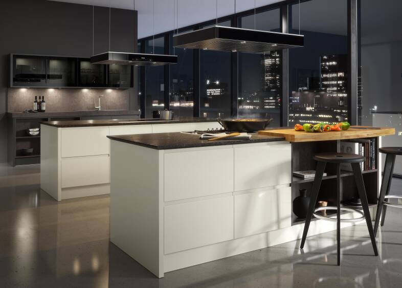 Handleless Kitchen in Cream & Charcoal
