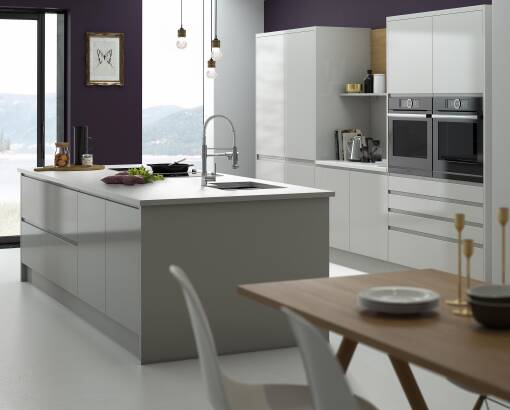 Handleless Pebble Gloss kitchen