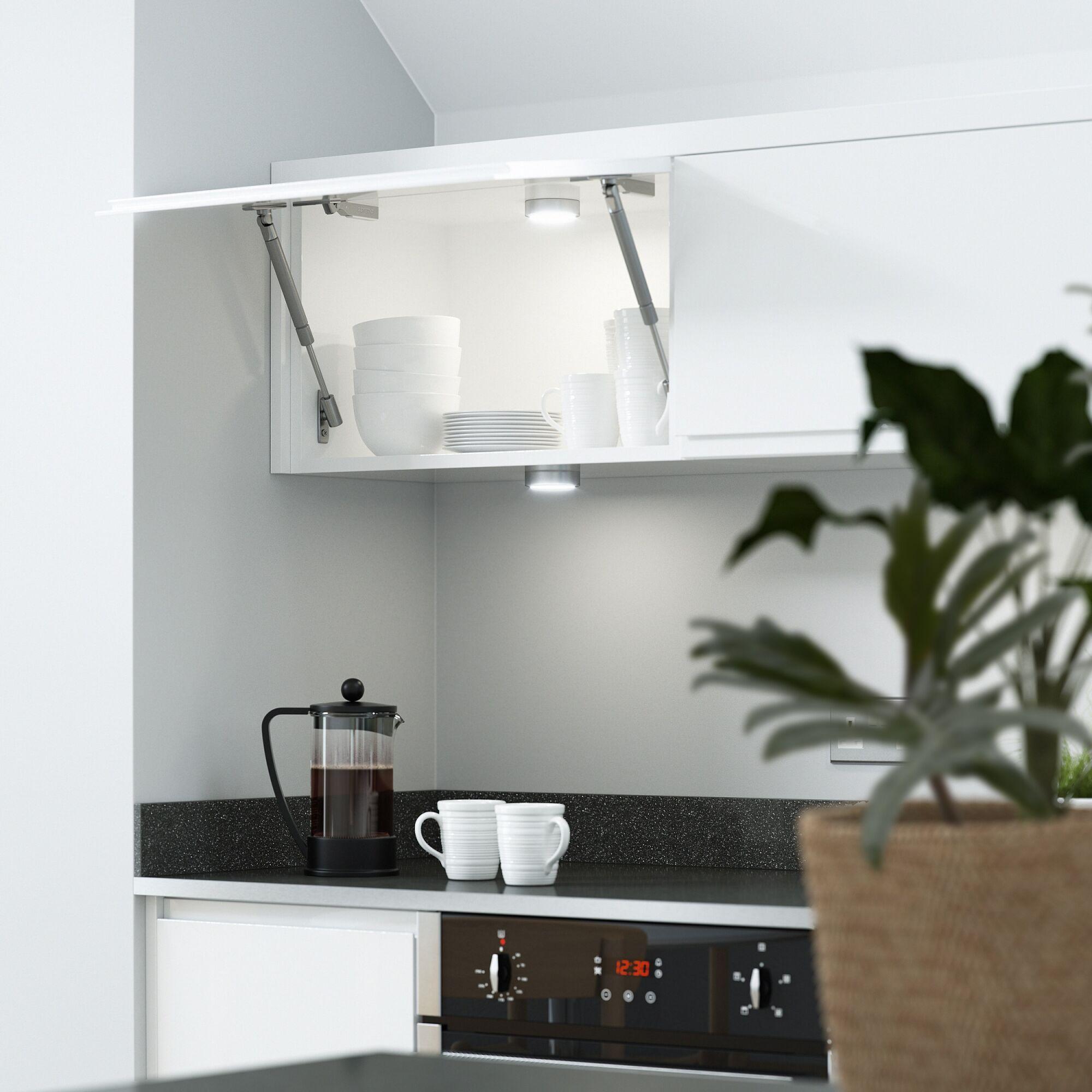 Handleless Kitchen in White | Wren Kitchens