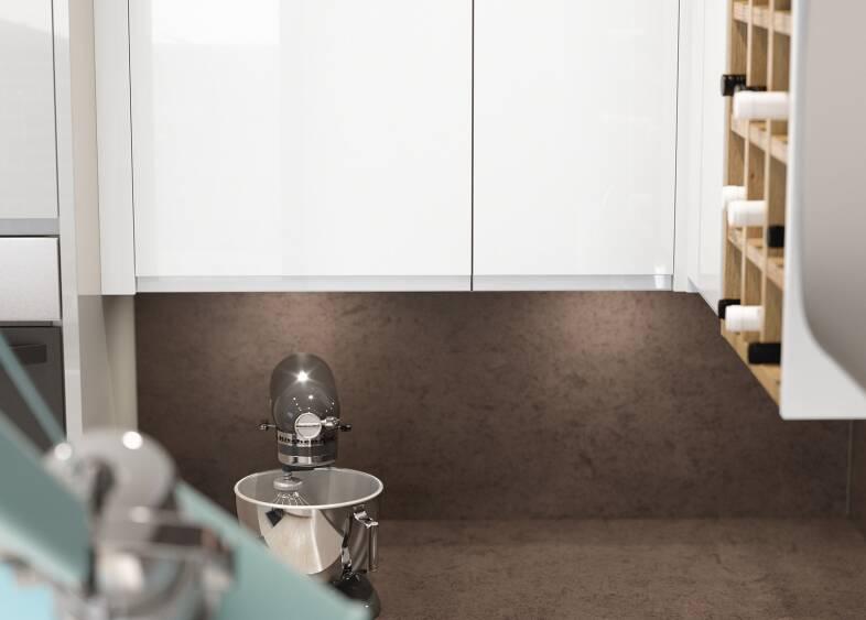 J-Pull Pebble & White Gloss kitchen
