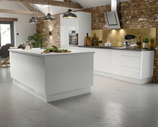 J Pull White Gloss kitchen