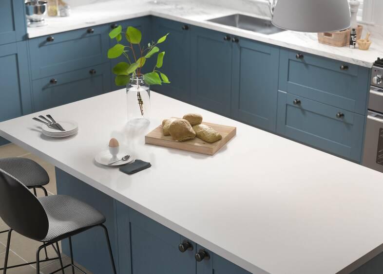 Shaker 5 Piece in Indigo kitchen