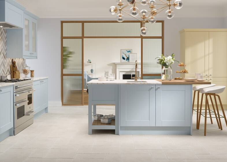 Shaker Ermine Kitchen in Bubblegum