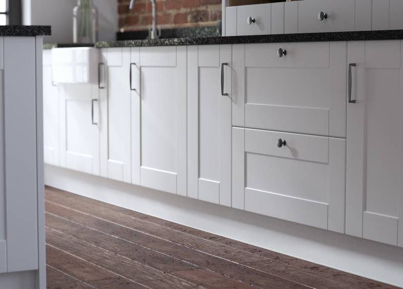 Shaker Kitchen in Super White
