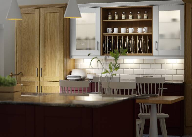 Shaker Light Oak Timber & Winter White Kitchen