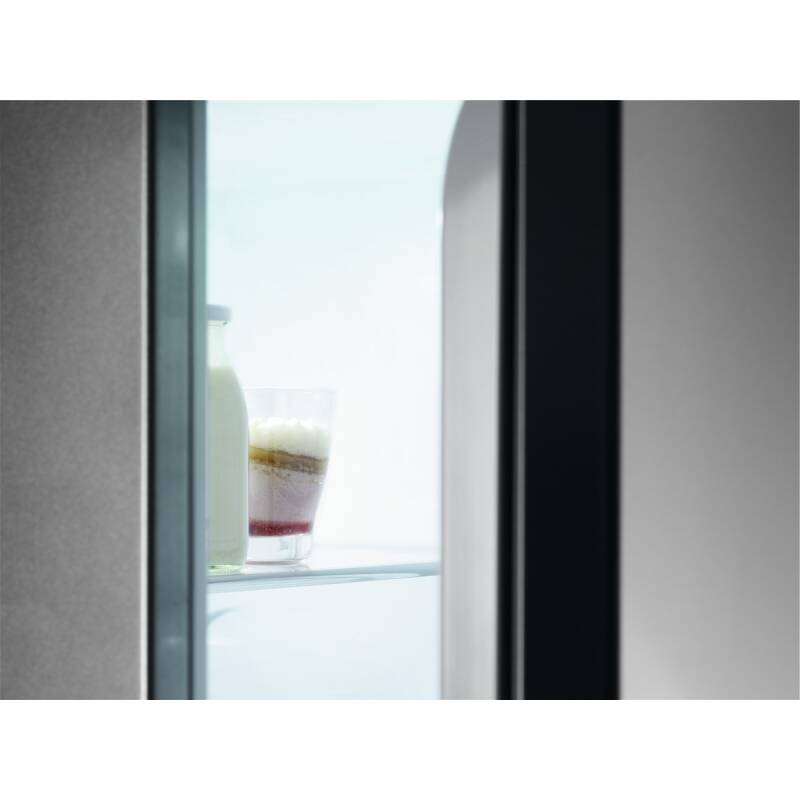 AEG H1772xW540xD549 70/30 Fridge Freeze (Frost Free) additional image 8
