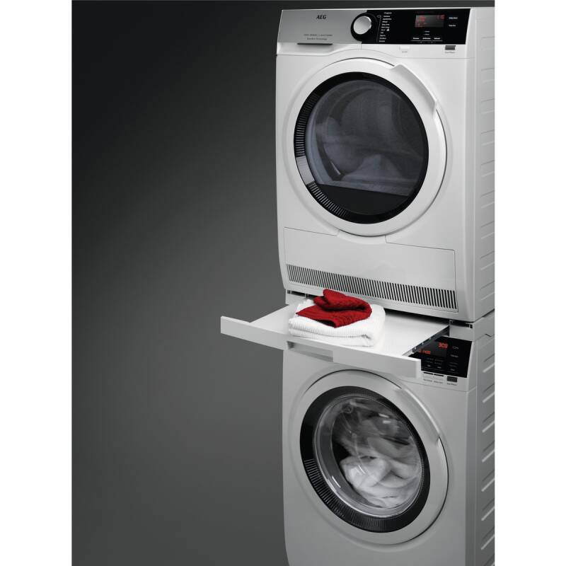 AEG Stacking Kit With Pull Out Shelf additional image 3