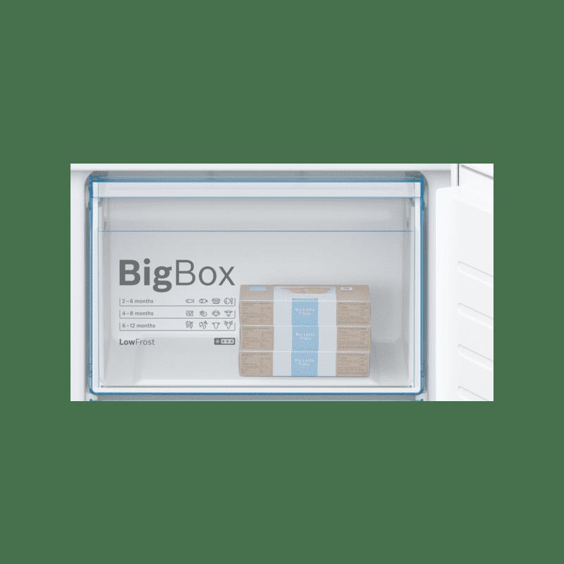 Bosch H1772xW541xD545 Integrated 70/30 Fridge Freezer additional image 1