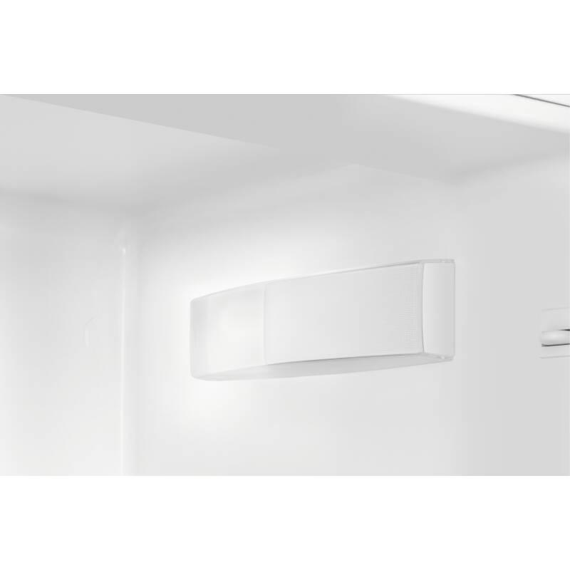 Zanussi H1772xW548xD549 50/50 Fridge Freezer (Frost Free) additional image 1
