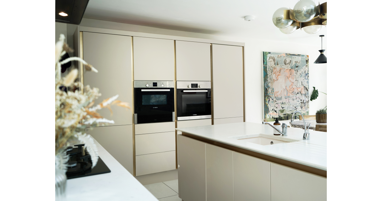 Gold and white luxe kitchen
