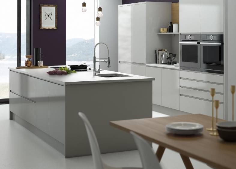 wrenovation sage hues for country charm wren kitchens. Black Bedroom Furniture Sets. Home Design Ideas