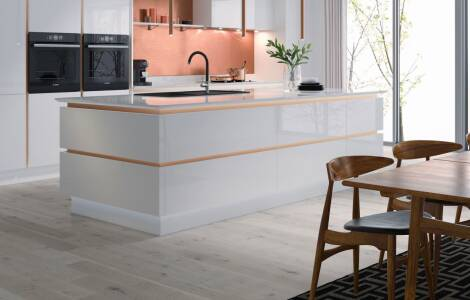 Design tips for handleless kitchen units