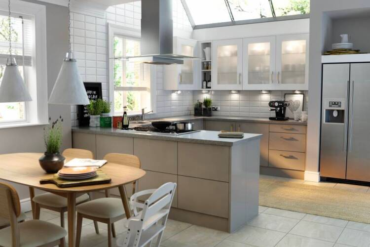 Designign a peninsula kitchen