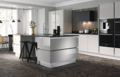Choosing a colour scheme to suit your dark, wooden kitchen floors