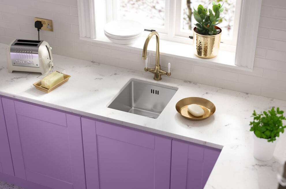 Small sinks: Shape and style